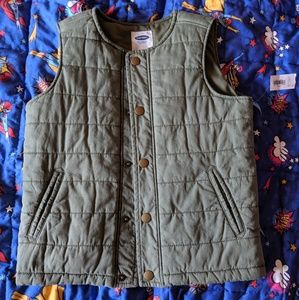 BNWT Boys quilted vest - Olive